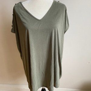 Green Envelope New green top BNWT PLUS 3X button